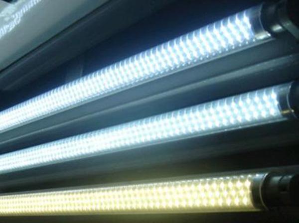 Úspora energie při výměně zářivek za LED trubice